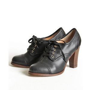 Marais USA Wooden Oxford Leather Block Lace Up